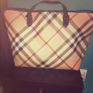 Large burberry tote bag 100% AUTHENTIC!!!!